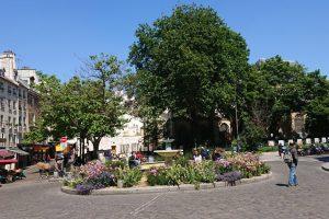 Fountain Rue Mouffetard