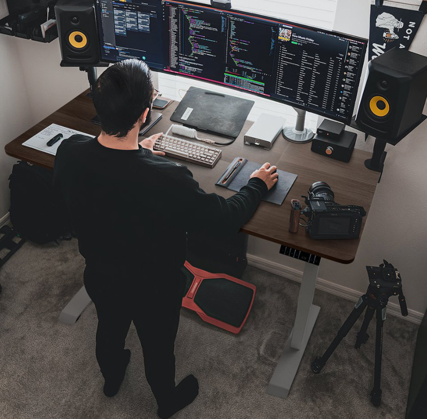 Walnew Electric Height Adjustable Standing Desk