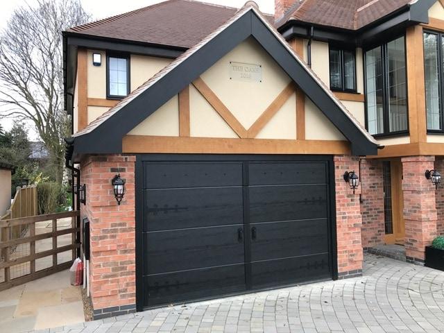 An example of Ryterna's stunning bespoke garage doors