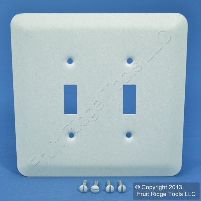 1 Gang Duplex Receptacle Midway Size Plastic Wall Plate Brown