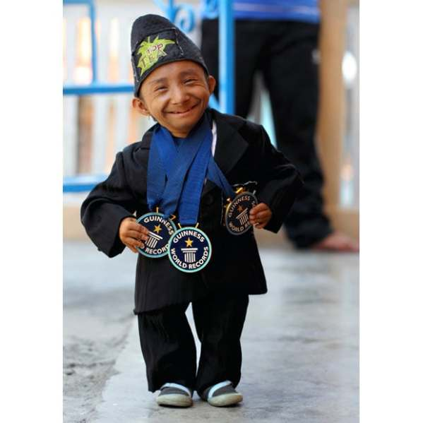 The world's shortest man, Junrey Balawing, and the ...