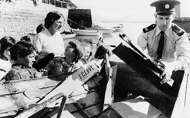 Prince Charles visit to murder scene of Lord Mountbatten ...