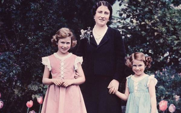 What we can learn from Queen Elizabeth's childhood - Telegraph