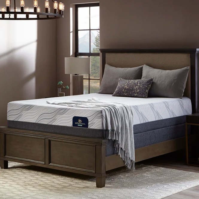 Perfect Sleeper Weyburn 13 Luxury Firm King Mattress Set