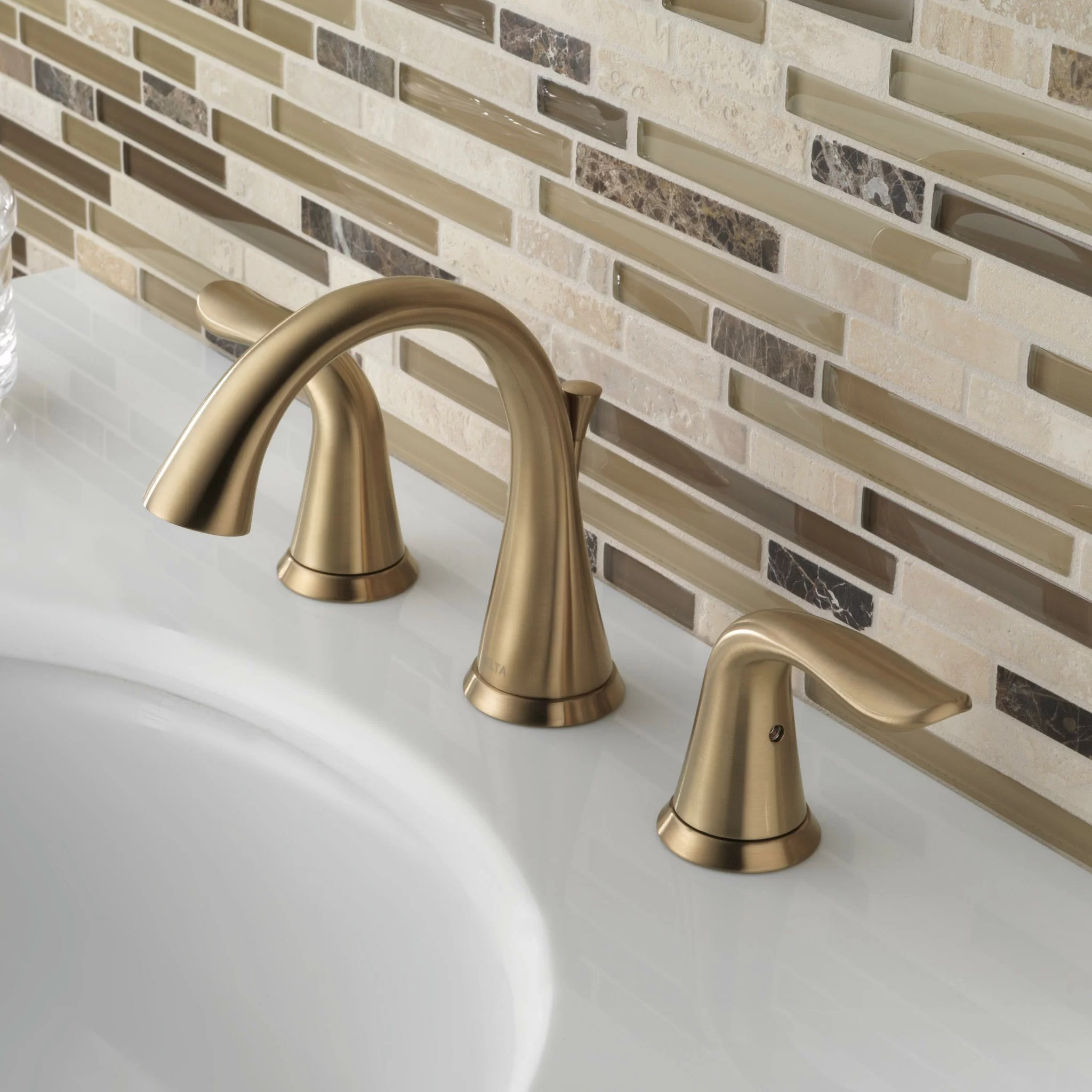 lahara widespread bathroom faucet with drain assembly and diamond seal technology