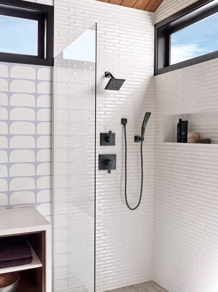 pivotal 17 series pressure balanced shower faucet with monitor
