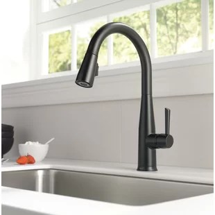 essa pull down single handle kitchen faucet with magnatite docking and touch2o technology