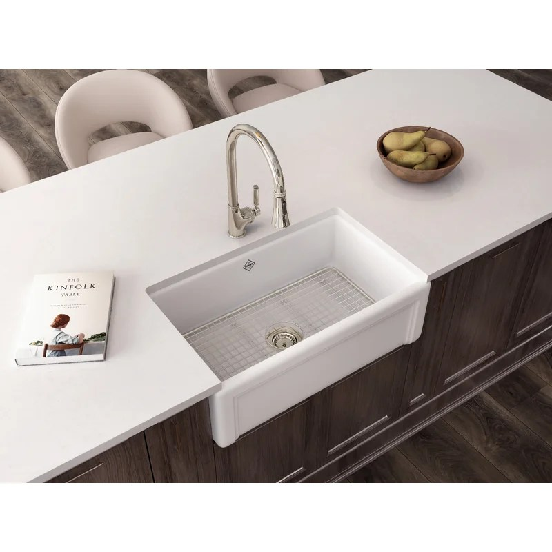 gotham pull down kitchen faucet