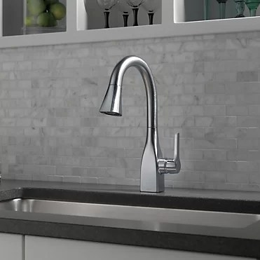 mateo pull down single handle kitchen faucet with magnatite docking and diamond seal technology