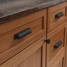 updating '80s oak cabinets