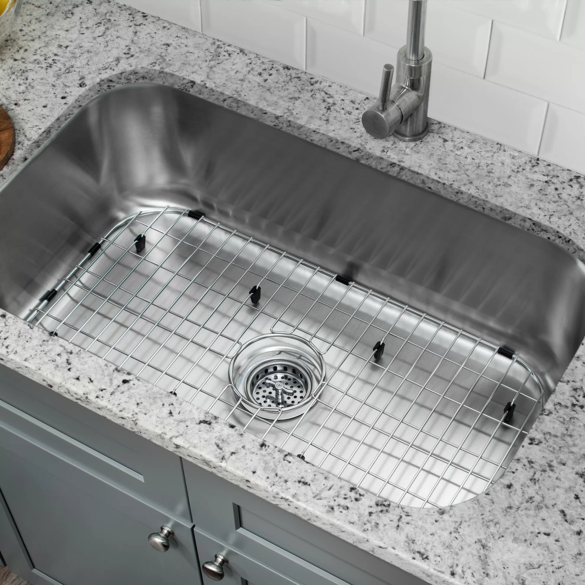 9 l x 30 w undermount kitchen sink with sink grid and drain assembly