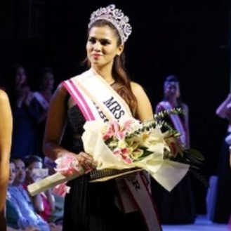 Image result for Mrs. India Beauty Queen Crowned in delhi