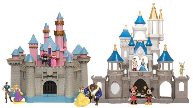 Top Holiday Gifts for 2016 from Disney Parks