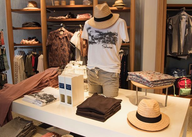 Outfits for men at Shore, Disney Springs