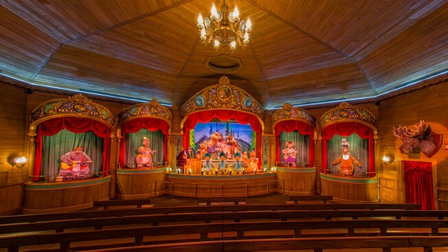 Grizzly Hall theater that hosts Bear Country Jamboree, with 5 distinct stages