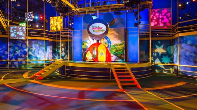 The elevated stage above floor seating area at the Disney Junior Live on Stage! show