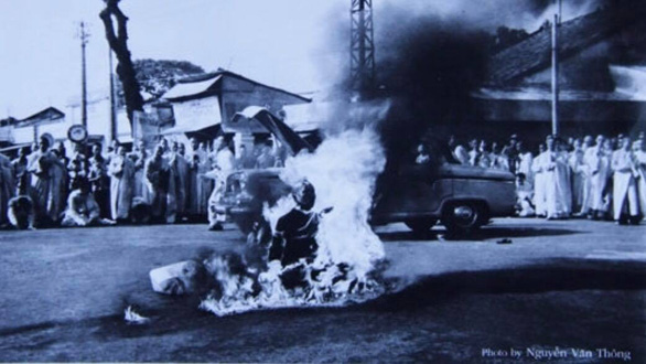 'Vi phap thieu than' (The Burning Monk) by Nguyen Van Thong, a photo that captured the self-immolation of Buddhist monk Thich Quang Duc in Saigon on June 11, 1963.