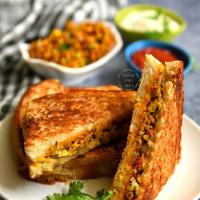 Egg Bhurji Sandwich | Easy Scrambled Egg Sandwich