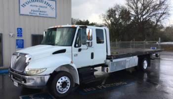 International 4300 Extended Cab Slide Back 2 Car Tow Truck