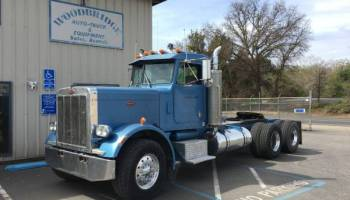 Peterbilt 359 3 Axle Day Cab Tractor Nice Old Truck