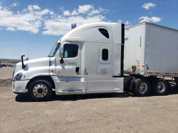 Semi Truck for sale (Corona) $45000