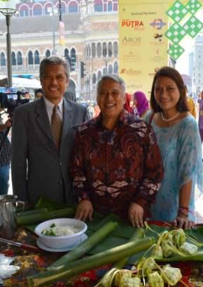 celebrity-chef-wan-kuala-lumpur-mayor-hari-raya-eid-mubarak-festival-2016-angela-carson-expat-blog-4