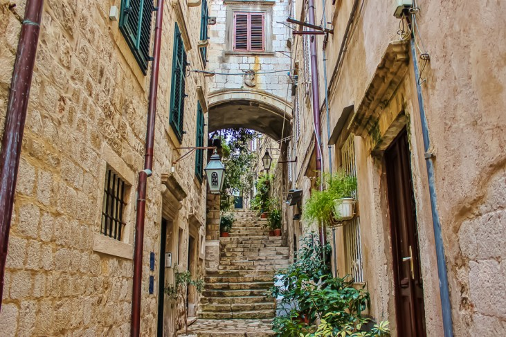 Old Town Alley in historic Dubrovnik, Croatia