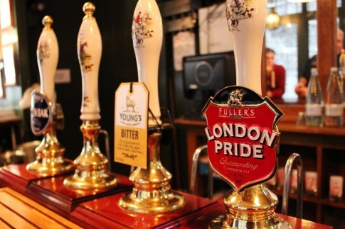 Thames River Pub Crawl #5: In the classic Town of Ramsgate pub, I selected a classic cask ale: London's Pride.