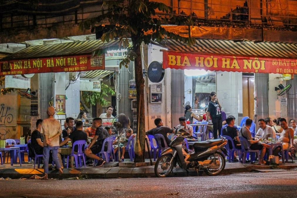 Bat Dan Bia Hoi Bar in Hanoi, Vietnam