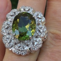 Gorgeous GIA 9.39 Ct VVS1 Natural Chrome Green Tourmaline Diamond 18k White Gold Ring