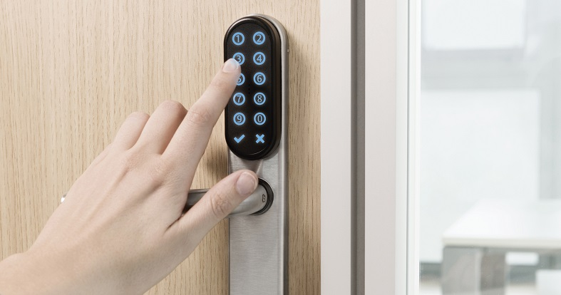 Pin code access control made easy with TESA SMARTair Standalone KeyPad Escutcheon