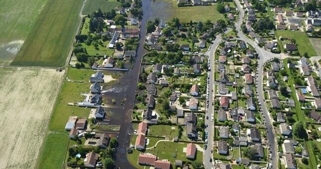 Survol en drone de la zone située entre Gidy et Cercottes (Loiret, 45) après les inondations de fin mai-début juin 2016 (Loiret, 9 juin 2016).