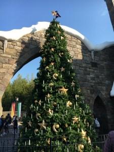 USJ(ユニバ)のハリーポッターゾーンのクリスマスツリー