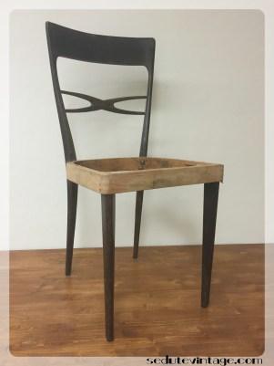 Sedia da pranzo anni 70: 2 disponibili -- Dining chairs 1970s: 2 available