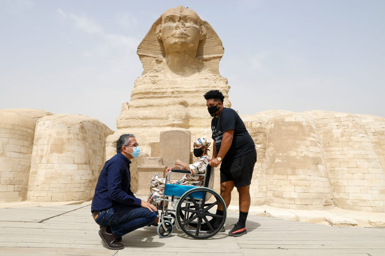 Al-Anani Welcomes American Cancer Patient Mr. Gloria Walker in Pyramids
