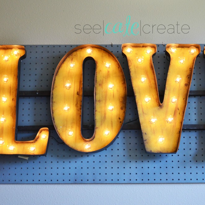 DIY Vintage Light-Up Marquee|Love Sign