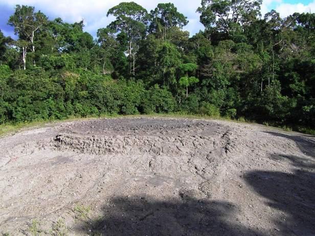 Mud volcano Tabin PC170166.JPG