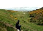 2012 - UK - Edinburgh - Hike Julie Sitting