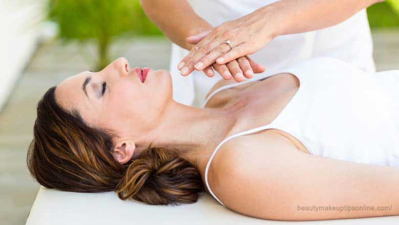 Reiki massage physical energy treatment