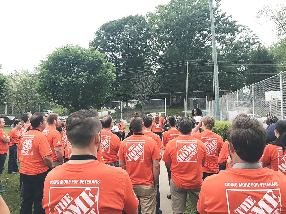 Several bloggers at The Home Depot volunteer event during the THDprospective event.