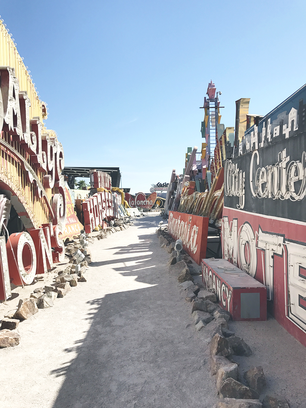 las vegas neon museum what it looks like