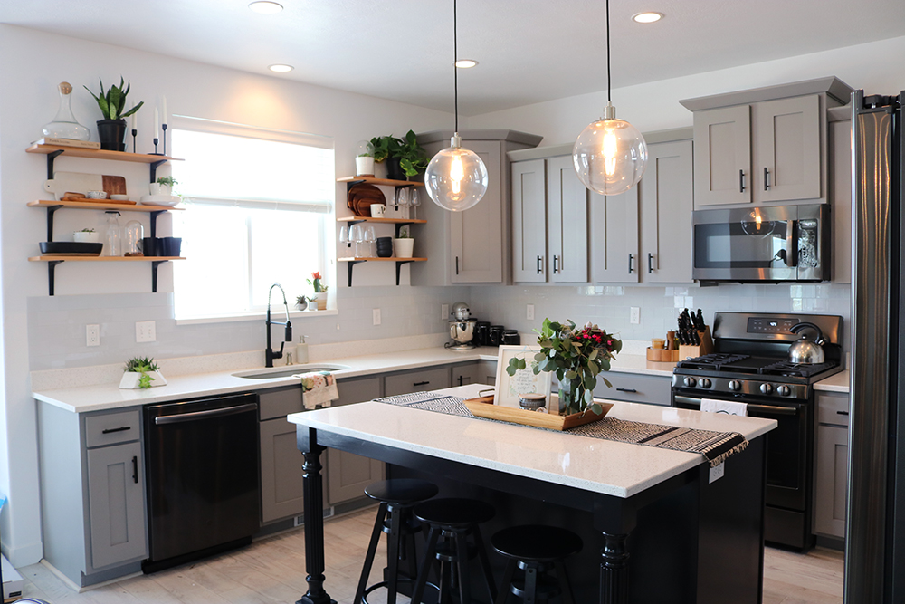 Inexpensive, Modern Kitchen Update - Seeking Alexi DIY Boss