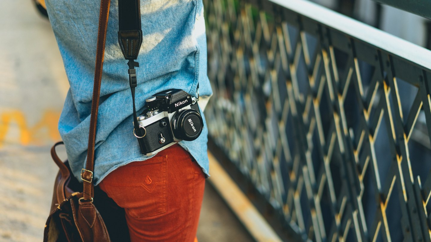 How to keep your valuables safe when traveling - camera