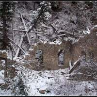 What are the ruins in Little Cottonwood Canyon, Utah?