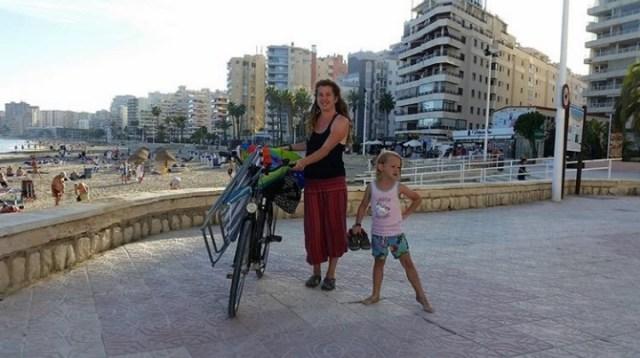 touristen calpe spanien