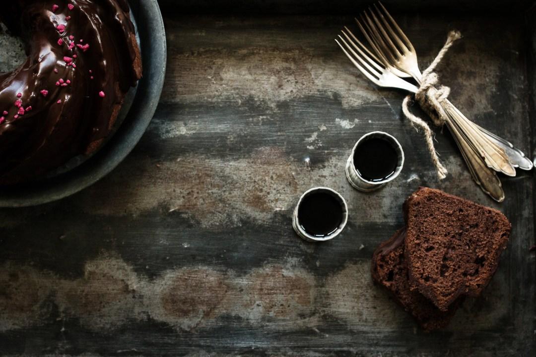 Rotweinkuchen mit Schokoladenglasur