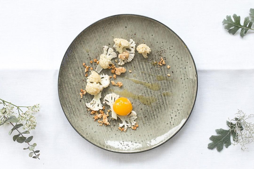 Onsenei | gerösteter Blumenkohl | Haselnusscrunch | seelenschmeichelei.de