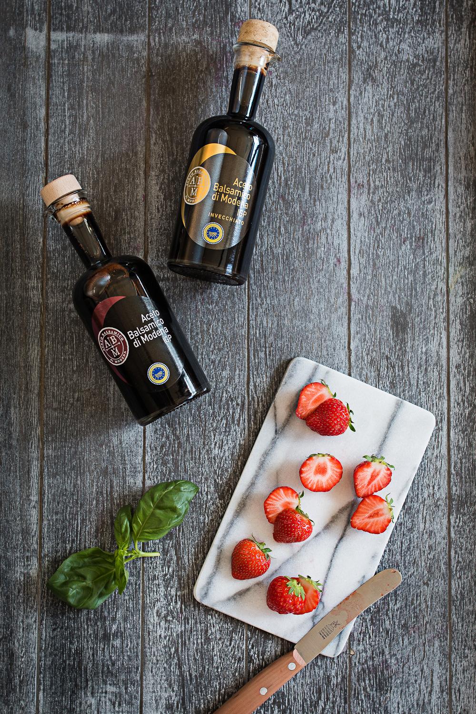 Basil Ice Cream | Balsamic Strawberries | seelenschmeichelei.de