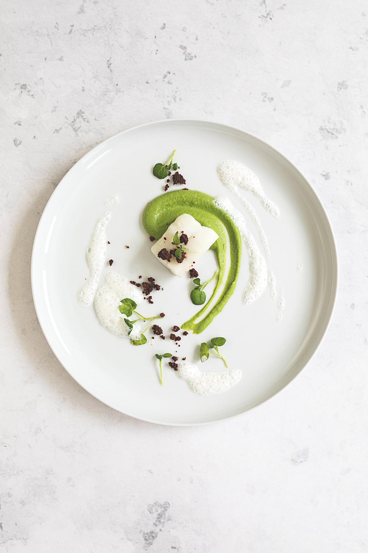 Pochierter Kabeljau mit Erbsenpüree und Buttermilchschaum | seelenschmeichelei.de