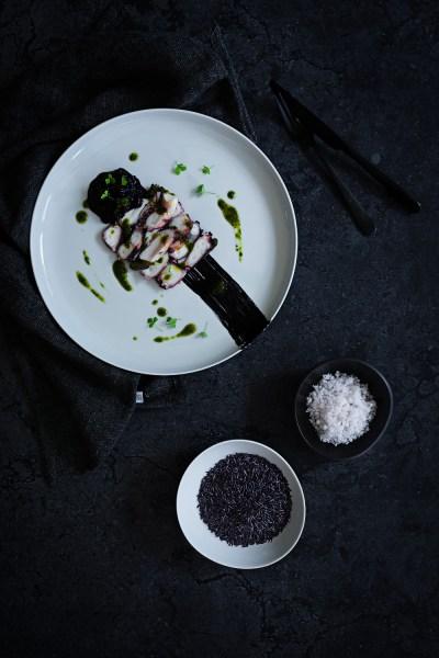 Octopus Carpaccio mit schwarzem Camargue Reis | seelenschmeichelei.de